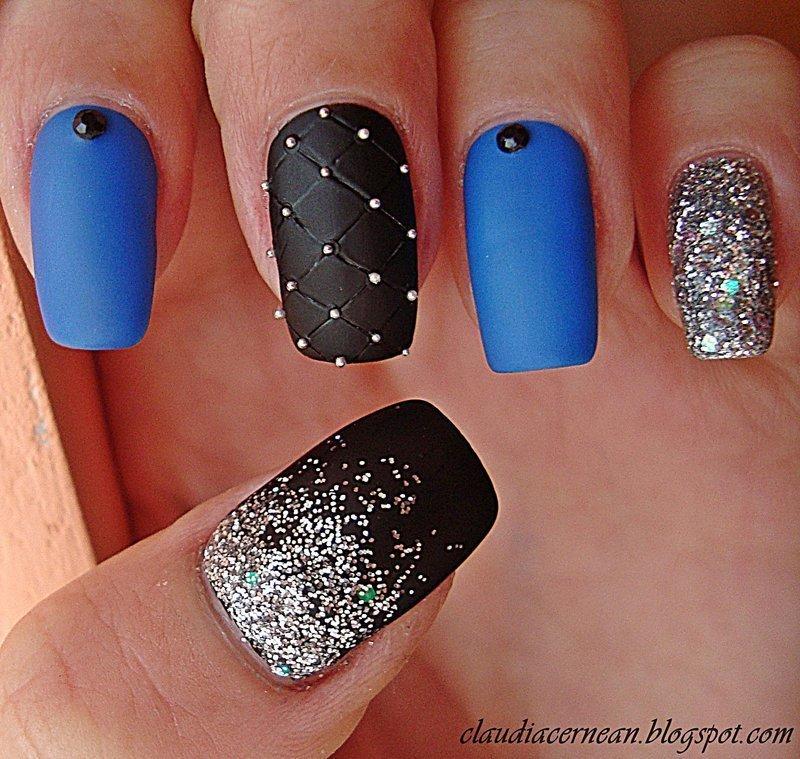 Черно-синий дизайн ногтей