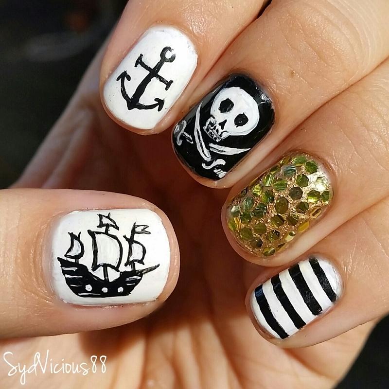 Маникюр в стиле пиратов фото