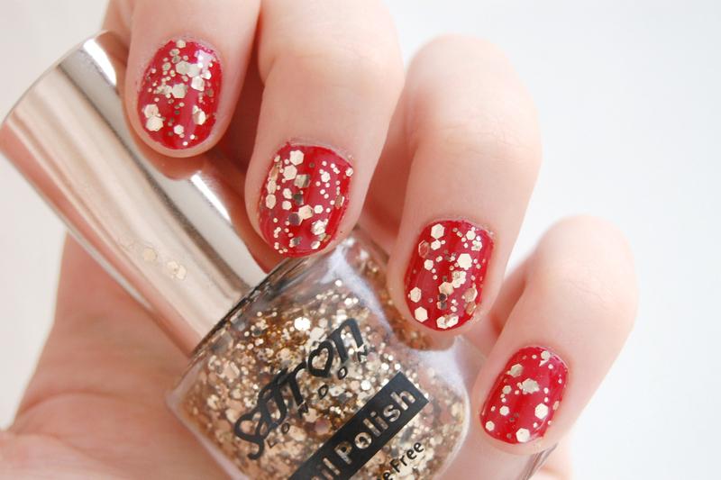 festive season nail art by Natasha
