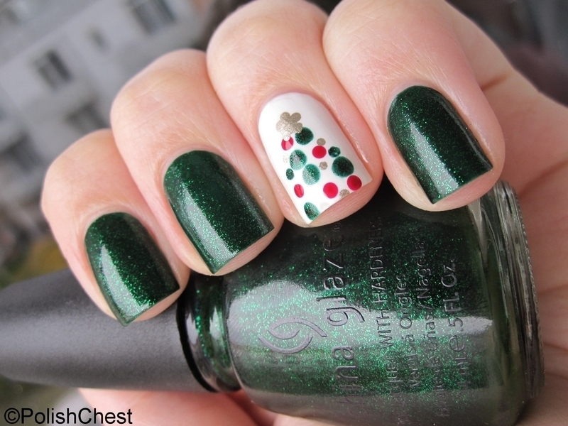 Quick and easy Christmas Tree nail art by Danny
