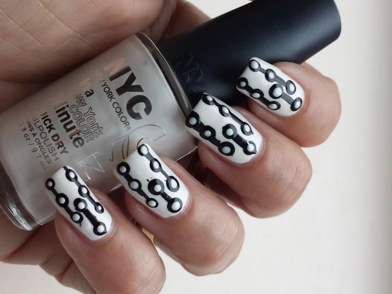 Black and White Nailart nail art by Marielle