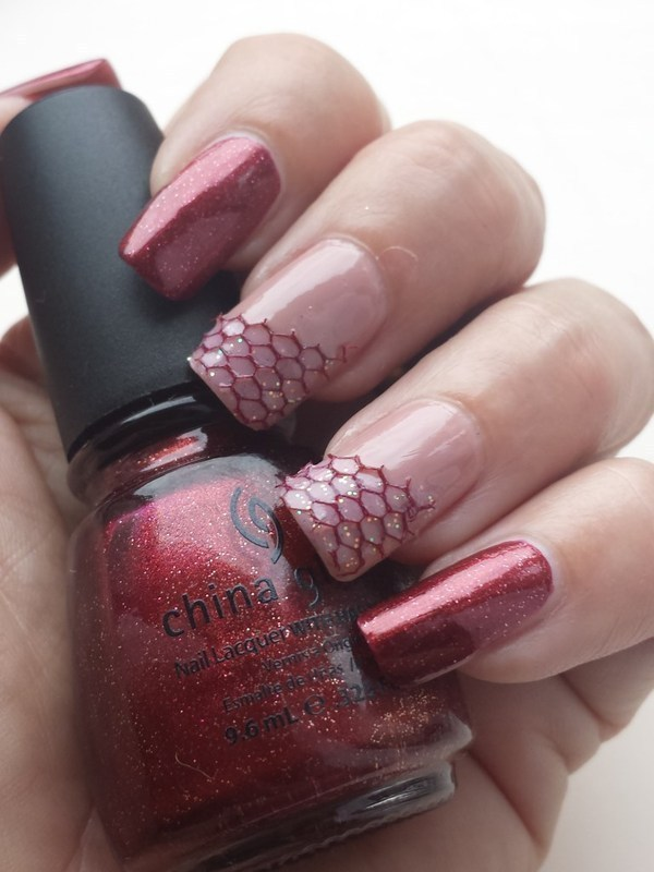 Easy Lace nail art by Marielle