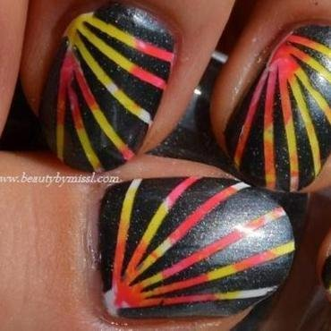 Striped nails thumb370f