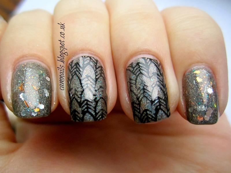 Arrowhead Skittlette nail art by Emma
