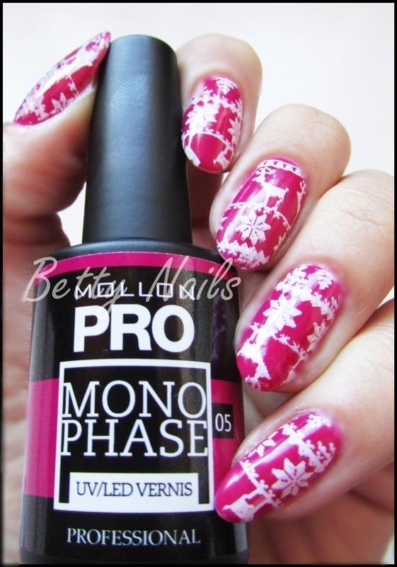 Christmas Nailart in Pink nail art by Barbara Fernandes