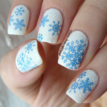 White sand and snowflakes 4 thumb370f