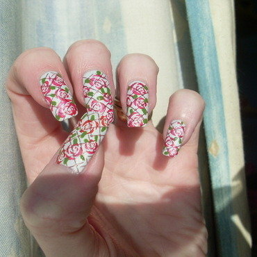Roses for a Special Mum nail art by Tracey - Bite no more
