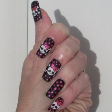 Cute skulls nail art by Tracey - Bite no more