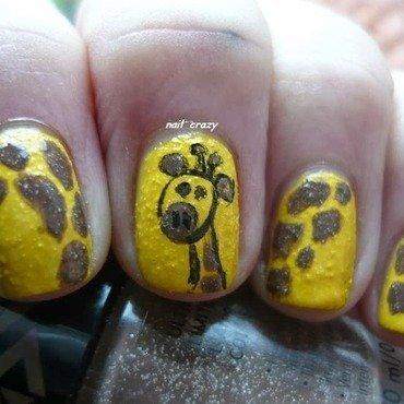 baby giraffe nail art by Žana
