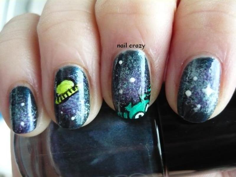 galaxy nails with visitor from space nail art by Žana