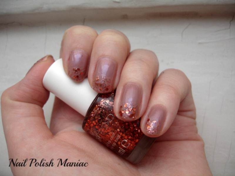 Rose Golden nail art by Tímea Medgyesi