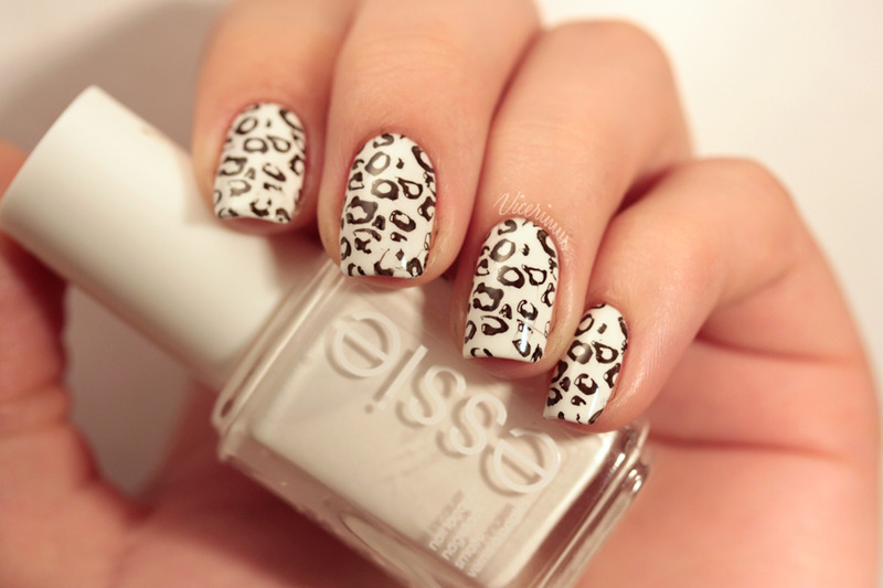 Snow Leopard nail art by Yulia