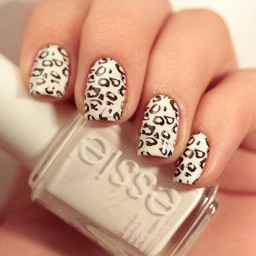Snow Leopard nail art by Yulia