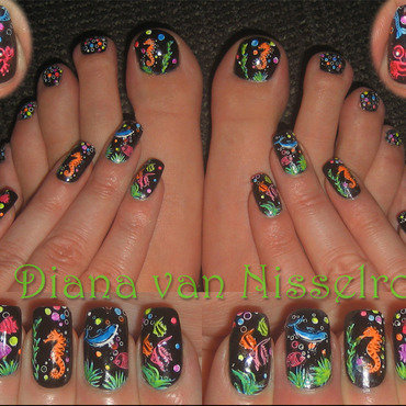 Under the sea (neon) nail art by Diana van Nisselroy