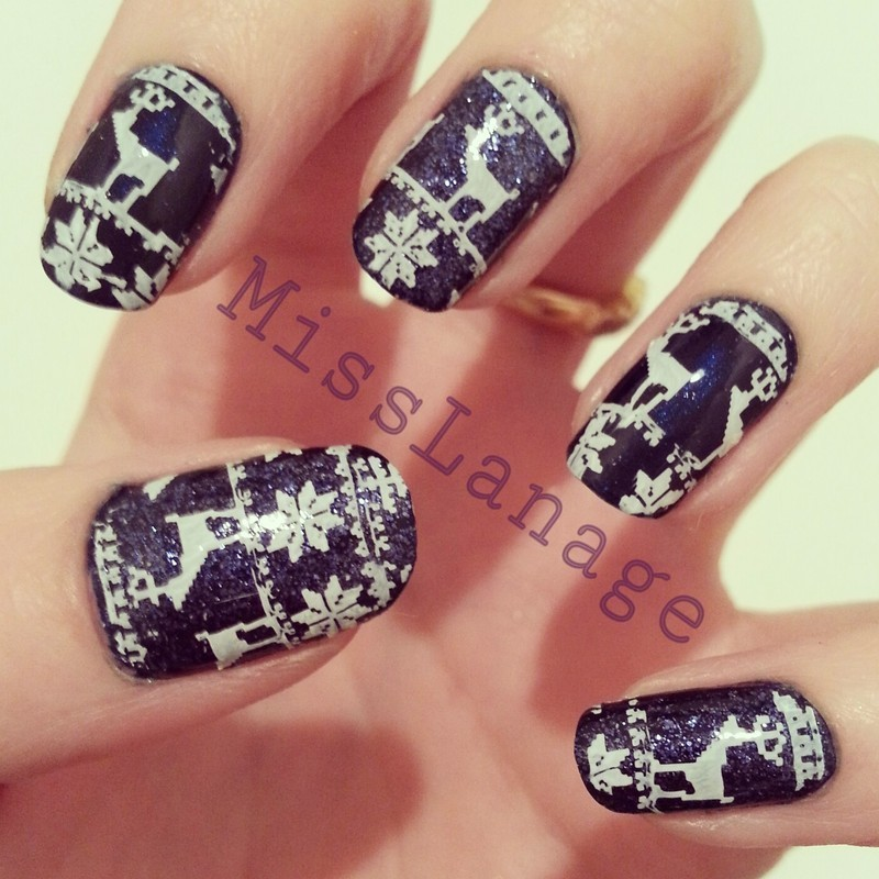 Sparkly Blue Christmas Jumpers nail art by Rebecca