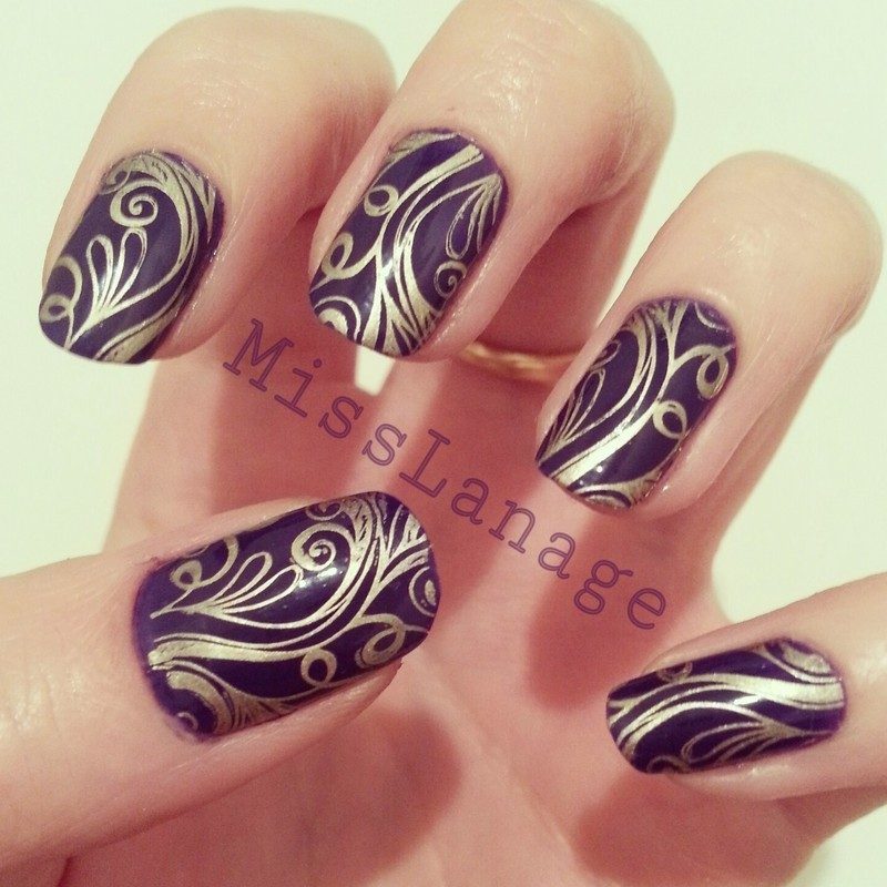 Gold Floral Pattern nail art by Rebecca