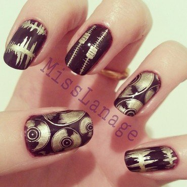 DJ - Music Prints nail art by Rebecca