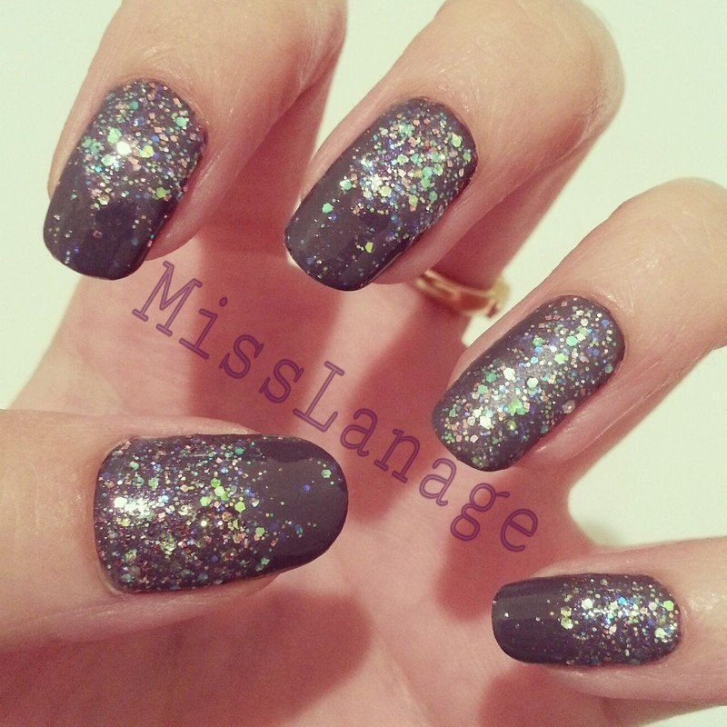Matte Grey Nails With Glitter Nail Ftempo
