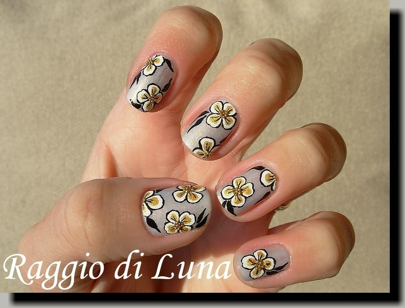 Golden Christmas flowers nail art by Tanja