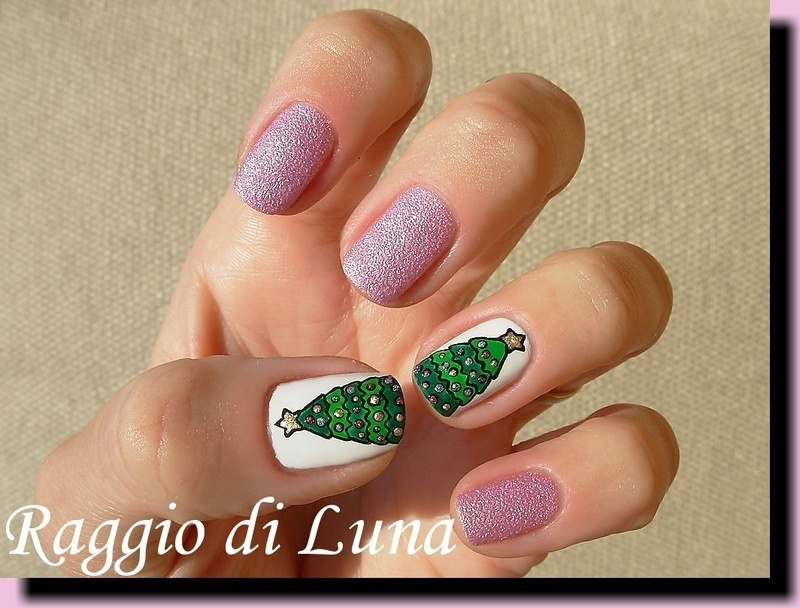 Christmas tree nail art by Tanja