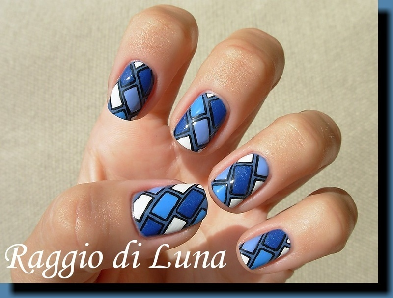 Blue & white bricks nail art by Tanja