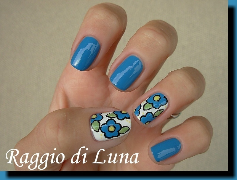 Blue vintage flowers nail art by Tanja