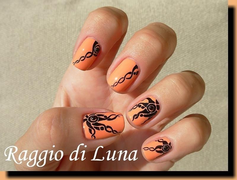 Abstract black sun nail art by Tanja