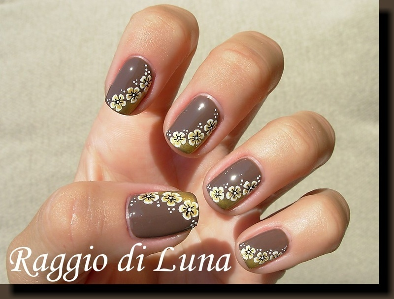 White & golden flowers nail art by Tanja