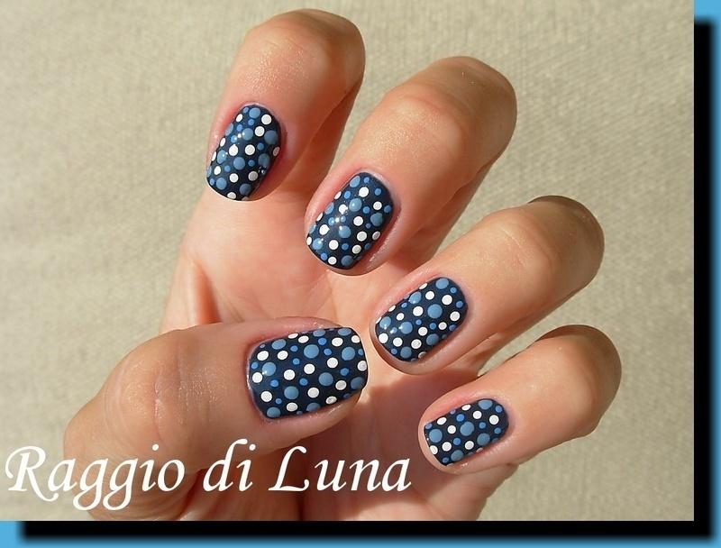 Blue dotticure nail art by Tanja