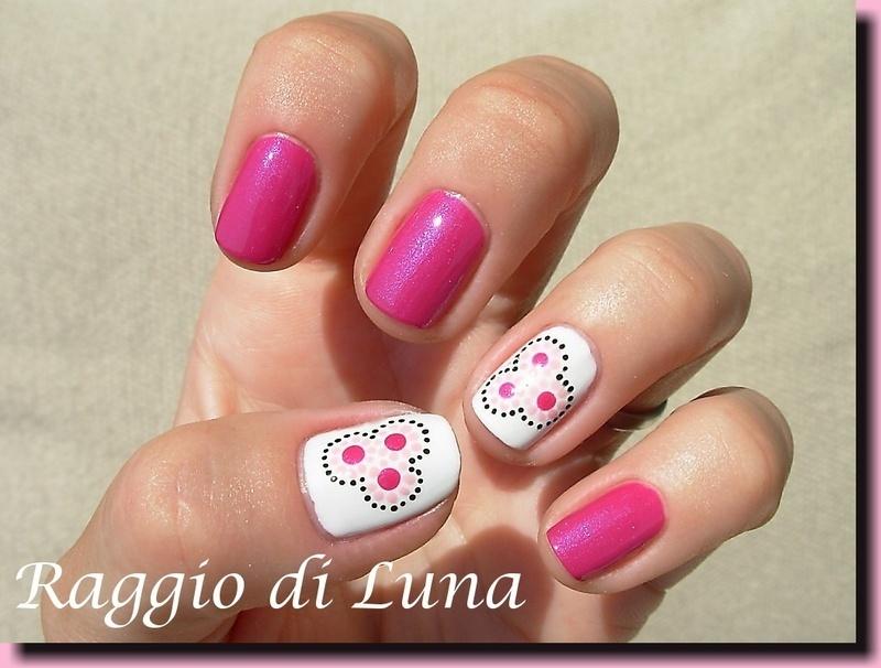 Three pink dot flowers nail art by Tanja