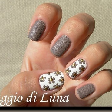 Textured taupe dot flowers on white nail art by Tanja