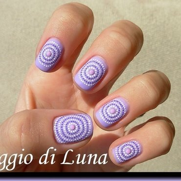 Concentric dot circles nail art by Tanja