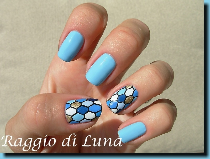 Blue & white & golden honeycomb nail art by Tanja