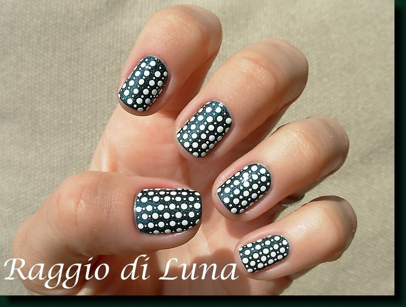 White dots on Saint George nail art by Tanja