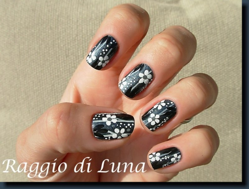 Black and white floral on grey nail art by Tanja