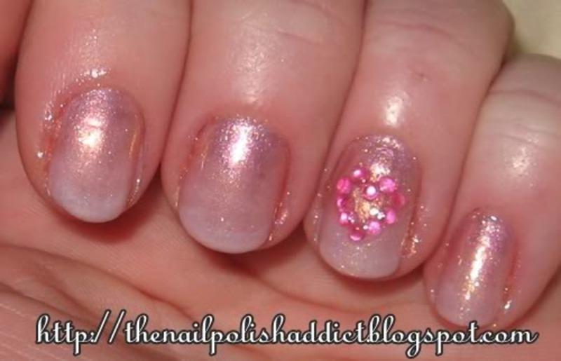 Flirty Gradient nail art by Leah