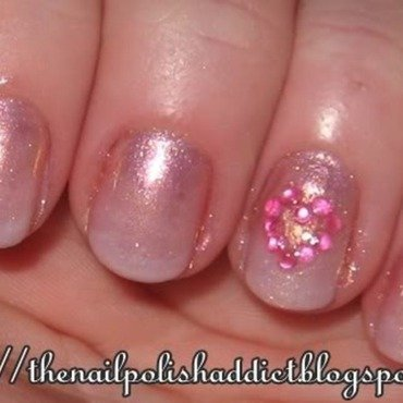 Flirty Gradient nail art by Leah