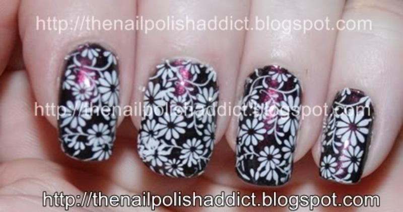 Field Of Daisies nail art by Leah