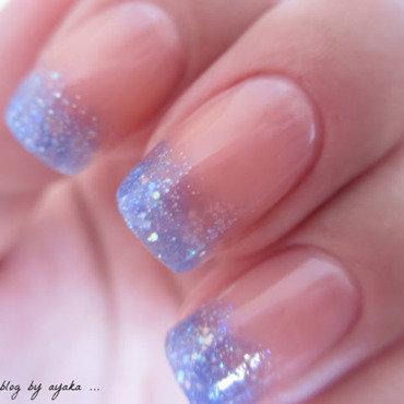 Glitter gradient nail art by Ayaka