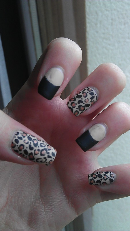 I love leopard! nail art by Maeva Lukec