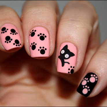Pattes de chat nail art by Mary Monkett