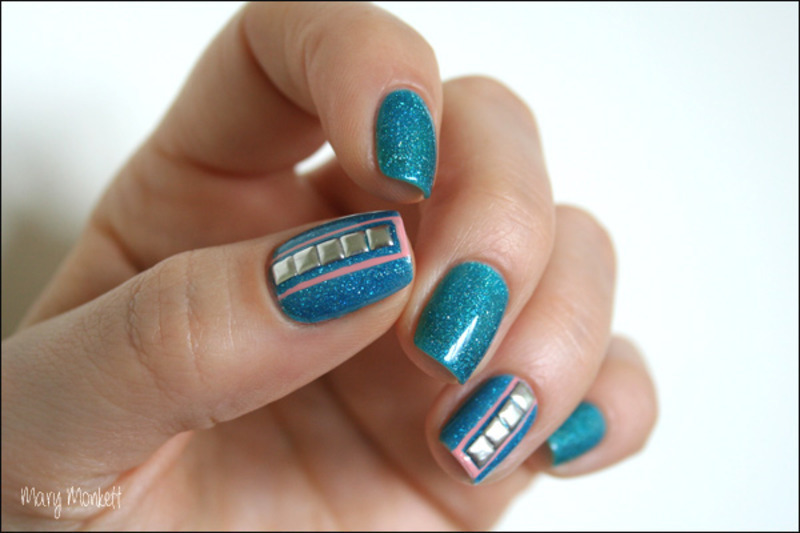 Ocean nail art by Mary Monkett