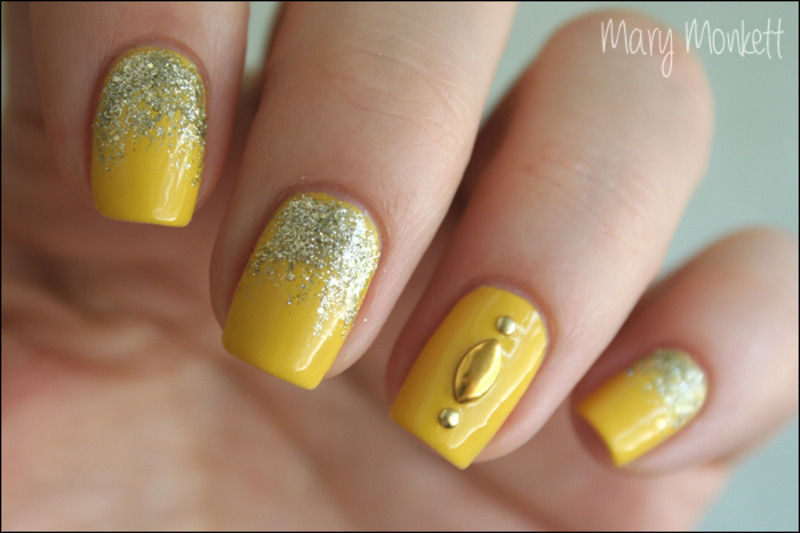 Hommage au soleil nail art by Mary Monkett