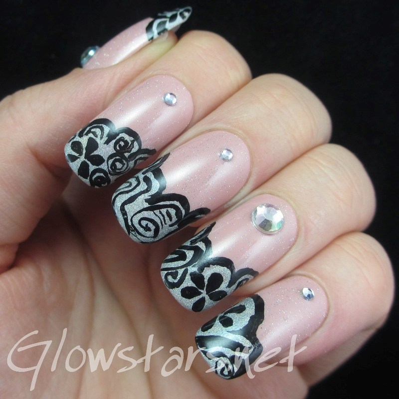 It feels a little bit different, a little less alive nail art by Vic 'Glowstars' Pires