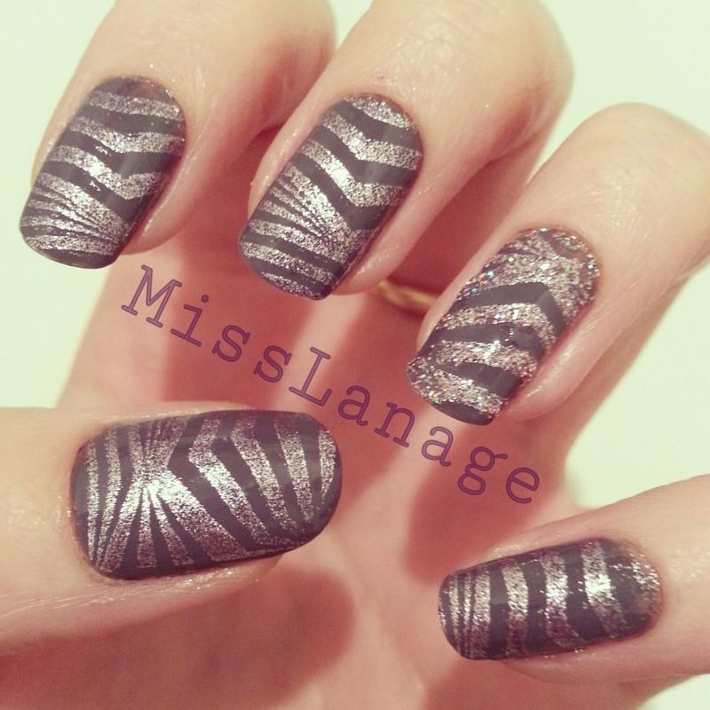 Geometric Glitter Accent nail art by Rebecca