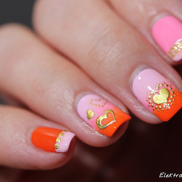 Golden Valentine nail art by Elektra King