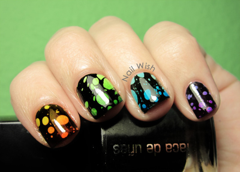 Water Spotted Gradient nail art by NailWish
