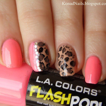 Delicate animal print manicure nail art by KonadAddict