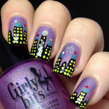 New Year's Eve Skyline nail art by Nail Polish Wars