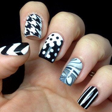 Black & White Skittles nail art by Nail Polish Wars